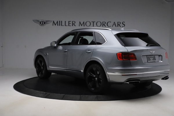 Used 2018 Bentley Bentayga W12 Signature for sale $149,900 at Pagani of Greenwich in Greenwich CT 06830 5