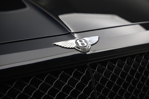 Used 2018 Bentley Bentayga Black Edition for sale $169,900 at Pagani of Greenwich in Greenwich CT 06830 14