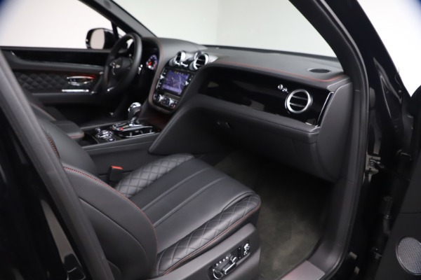 Used 2018 Bentley Bentayga Black Edition for sale $169,900 at Pagani of Greenwich in Greenwich CT 06830 24