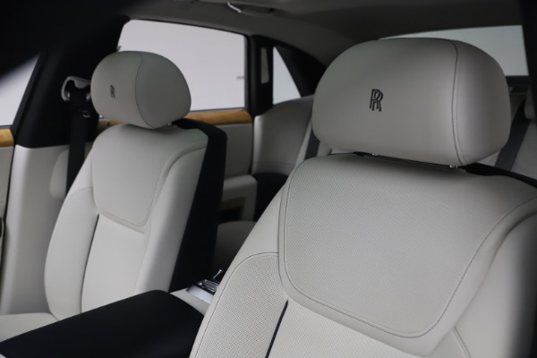 Used 2018 Rolls-Royce Ghost for sale $249,900 at Pagani of Greenwich in Greenwich CT 06830 14