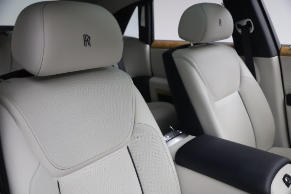 Used 2018 Rolls-Royce Ghost for sale $259,900 at Pagani of Greenwich in Greenwich CT 06830 15