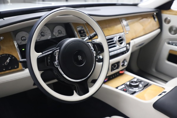 Used 2018 Rolls-Royce Ghost for sale $249,900 at Pagani of Greenwich in Greenwich CT 06830 16