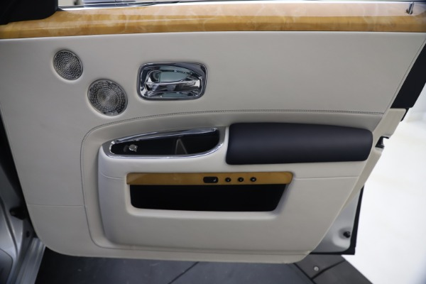 Used 2018 Rolls-Royce Ghost for sale $249,900 at Pagani of Greenwich in Greenwich CT 06830 25