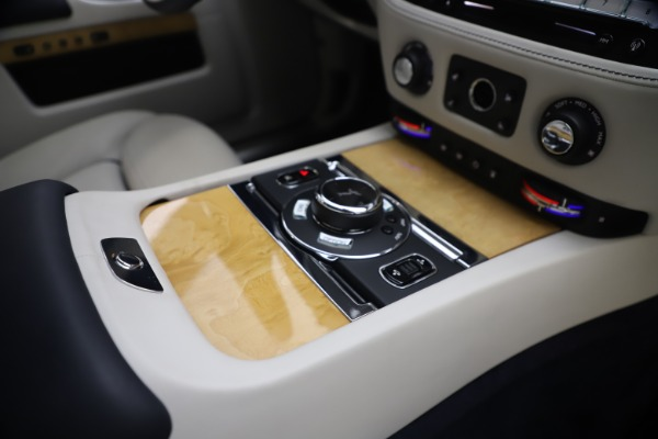 Used 2018 Rolls-Royce Ghost for sale $259,900 at Pagani of Greenwich in Greenwich CT 06830 27
