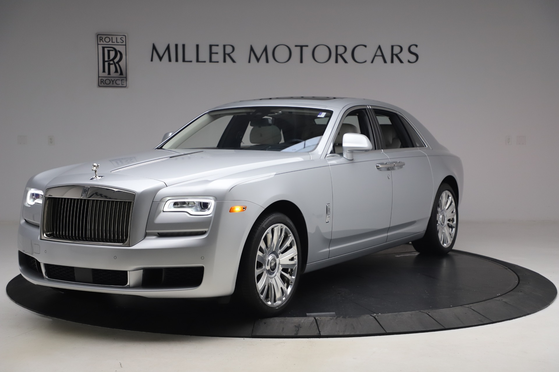 Used 2018 Rolls-Royce Ghost for sale $249,900 at Pagani of Greenwich in Greenwich CT 06830 1