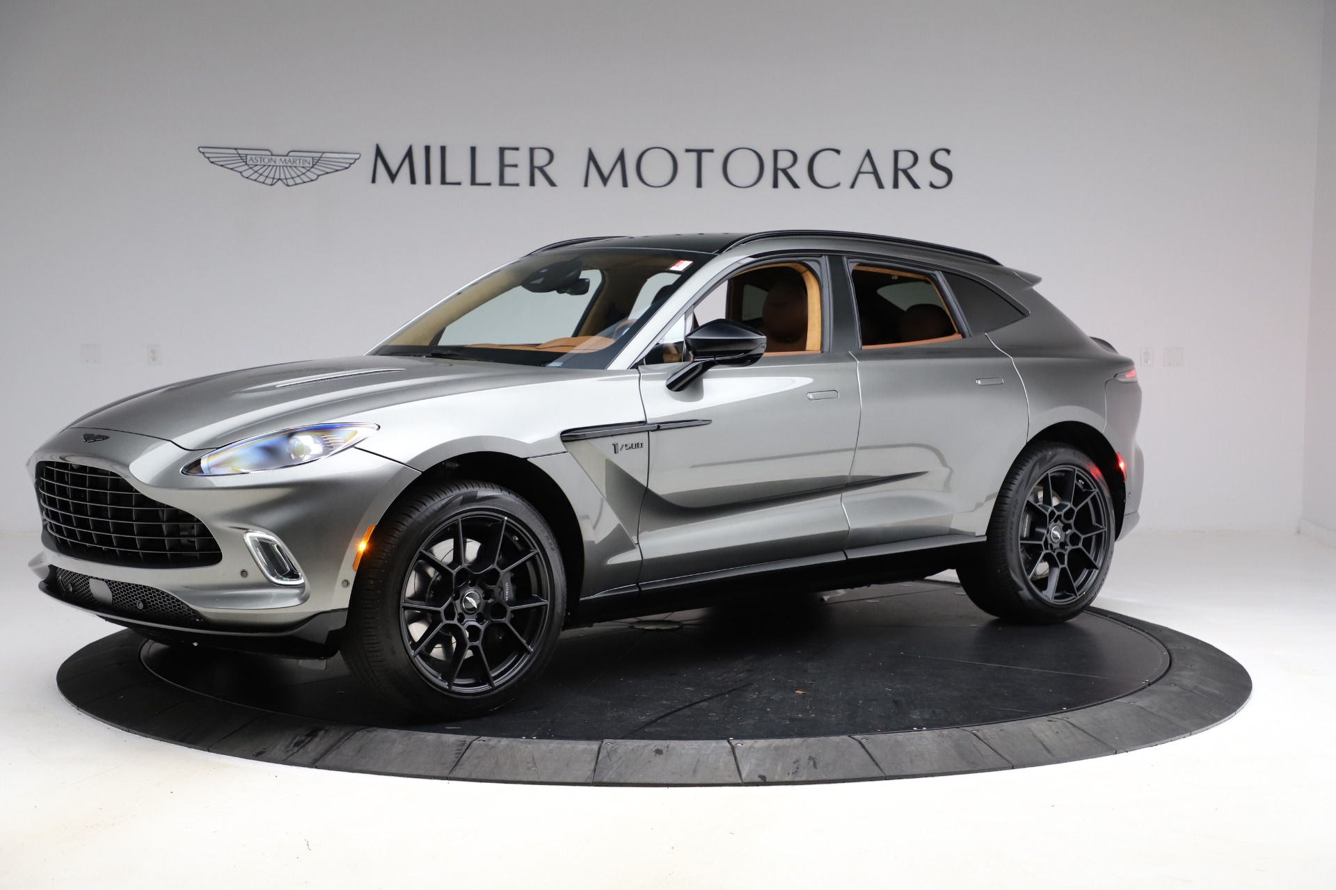 New 2021 Aston Martin DBX for sale $226,136 at Pagani of Greenwich in Greenwich CT 06830 1