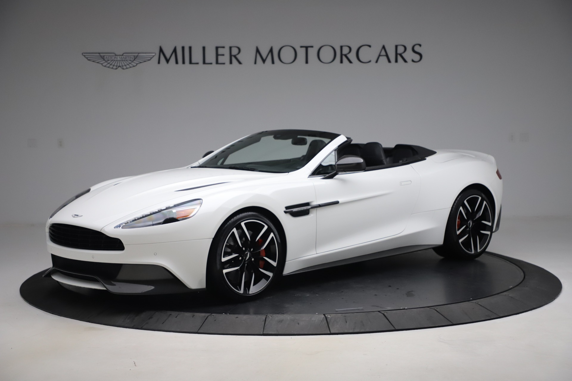 Used 2015 Aston Martin Vanquish Volante for sale $139,900 at Pagani of Greenwich in Greenwich CT 06830 1