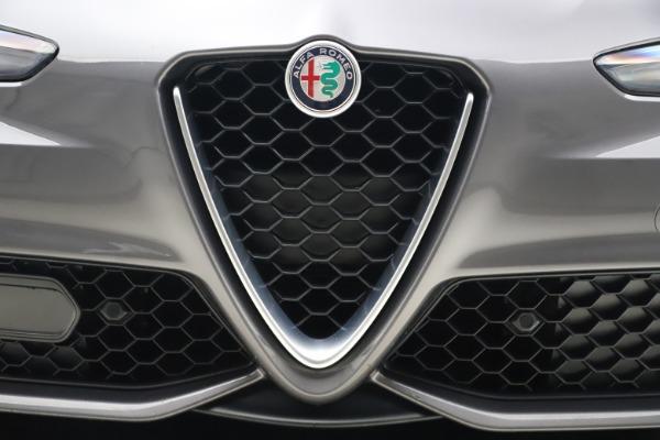 Used 2017 Alfa Romeo Giulia Ti Sport for sale $26,900 at Pagani of Greenwich in Greenwich CT 06830 14