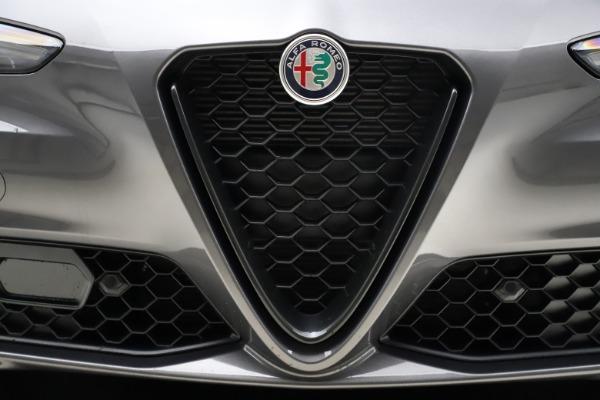 New 2021 Alfa Romeo Giulia Q4 for sale $48,035 at Pagani of Greenwich in Greenwich CT 06830 13