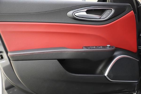 New 2021 Alfa Romeo Giulia Q4 for sale $48,035 at Pagani of Greenwich in Greenwich CT 06830 18