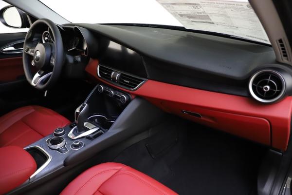New 2021 Alfa Romeo Giulia Q4 for sale $48,035 at Pagani of Greenwich in Greenwich CT 06830 24