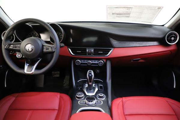 New 2021 Alfa Romeo Giulia Q4 for sale $48,035 at Pagani of Greenwich in Greenwich CT 06830 28