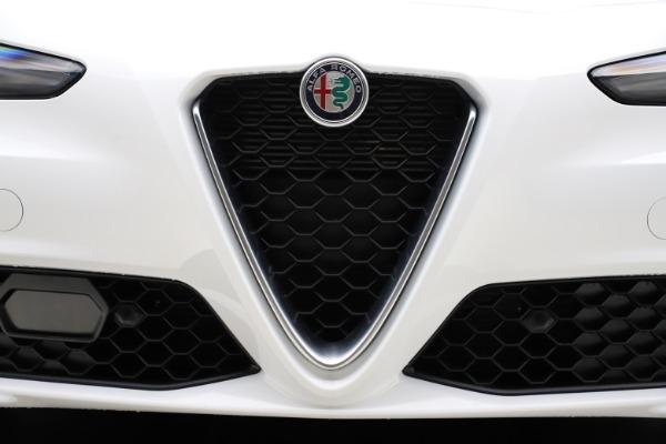 New 2021 Alfa Romeo Giulia Q4 for sale $45,735 at Pagani of Greenwich in Greenwich CT 06830 12