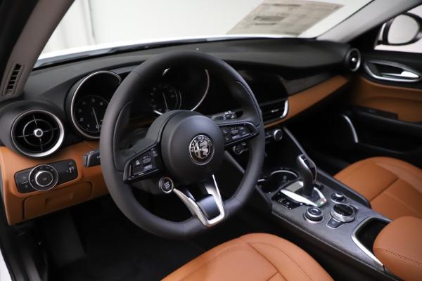 New 2021 Alfa Romeo Giulia Q4 for sale $45,735 at Pagani of Greenwich in Greenwich CT 06830 15
