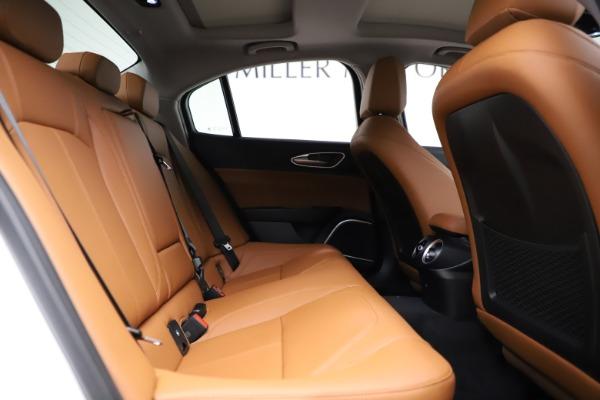 New 2021 Alfa Romeo Giulia Q4 for sale $45,735 at Pagani of Greenwich in Greenwich CT 06830 24