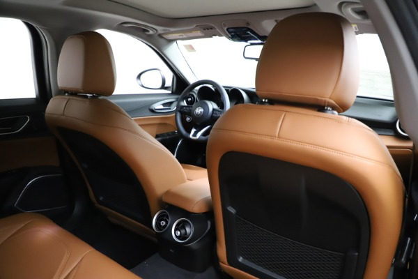 New 2021 Alfa Romeo Giulia Q4 for sale $45,735 at Pagani of Greenwich in Greenwich CT 06830 25