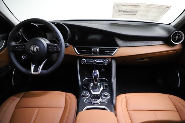 New 2021 Alfa Romeo Giulia Q4 for sale $45,735 at Pagani of Greenwich in Greenwich CT 06830 26
