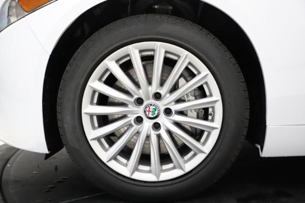 New 2021 Alfa Romeo Giulia Q4 for sale $45,735 at Pagani of Greenwich in Greenwich CT 06830 27