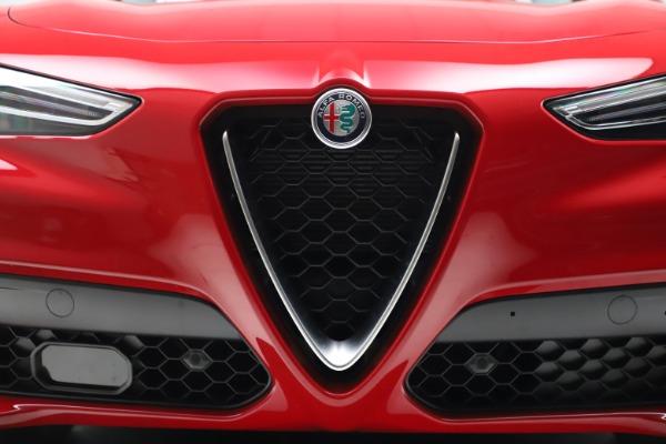 New 2021 Alfa Romeo Stelvio Q4 for sale $47,735 at Pagani of Greenwich in Greenwich CT 06830 27
