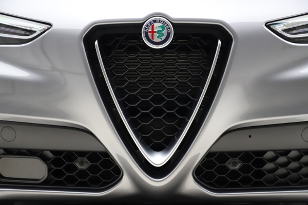 New 2021 Alfa Romeo Stelvio Q4 for sale $48,835 at Pagani of Greenwich in Greenwich CT 06830 13
