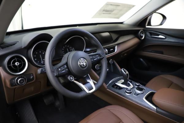 New 2021 Alfa Romeo Stelvio Q4 for sale $48,835 at Pagani of Greenwich in Greenwich CT 06830 17
