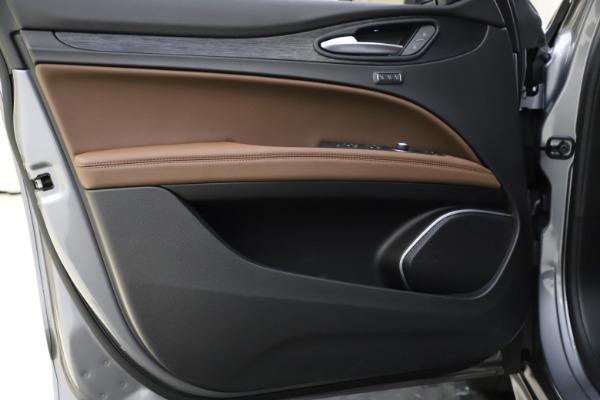 New 2021 Alfa Romeo Stelvio Q4 for sale $48,835 at Pagani of Greenwich in Greenwich CT 06830 18