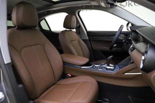 New 2021 Alfa Romeo Stelvio Q4 for sale $48,835 at Pagani of Greenwich in Greenwich CT 06830 21