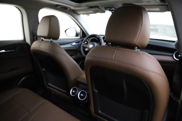 New 2021 Alfa Romeo Stelvio Q4 for sale $48,835 at Pagani of Greenwich in Greenwich CT 06830 26