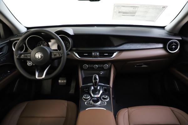 New 2021 Alfa Romeo Stelvio Q4 for sale $48,835 at Pagani of Greenwich in Greenwich CT 06830 27