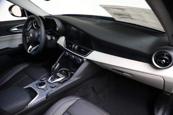 New 2021 Alfa Romeo Giulia Q4 for sale $45,140 at Pagani of Greenwich in Greenwich CT 06830 22