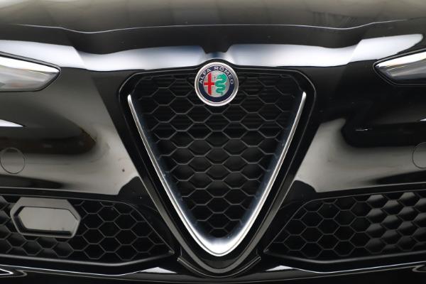 New 2021 Alfa Romeo Giulia Q4 for sale $45,140 at Pagani of Greenwich in Greenwich CT 06830 26
