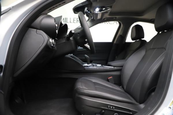 New 2021 Alfa Romeo Giulia Q4 for sale $46,490 at Pagani of Greenwich in Greenwich CT 06830 14