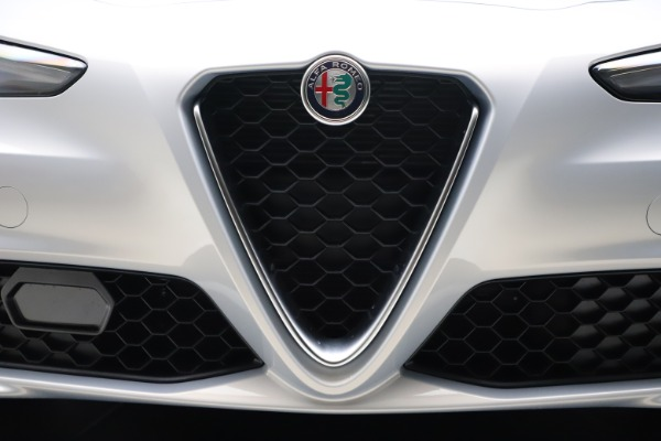 New 2021 Alfa Romeo Giulia Q4 for sale $46,490 at Pagani of Greenwich in Greenwich CT 06830 25