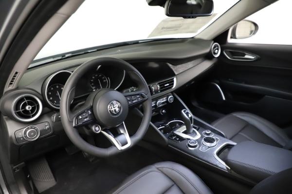 New 2021 Alfa Romeo Giulia Q4 for sale $47,085 at Pagani of Greenwich in Greenwich CT 06830 12