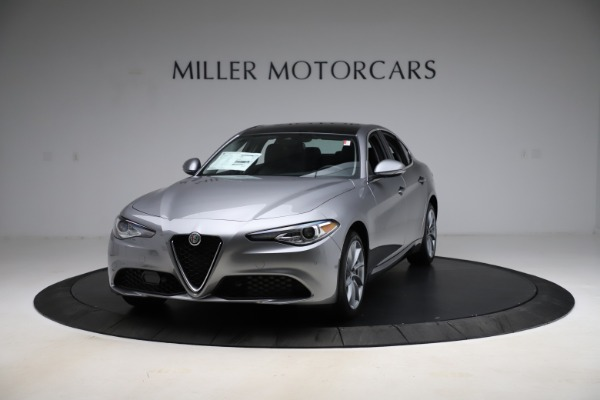 New 2021 Alfa Romeo Giulia Q4 for sale $47,085 at Pagani of Greenwich in Greenwich CT 06830 1