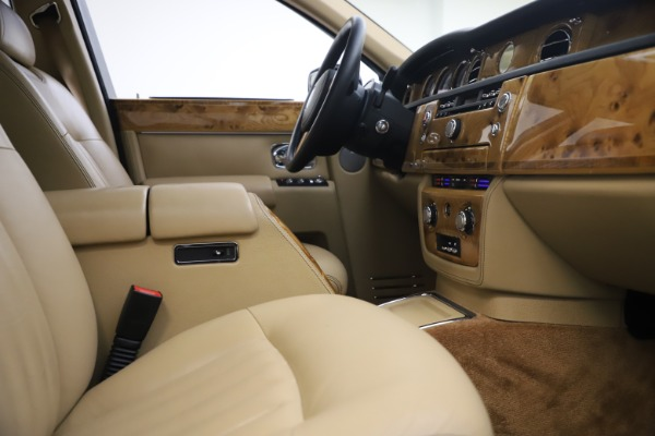 Used 2006 Rolls-Royce Phantom for sale $109,900 at Pagani of Greenwich in Greenwich CT 06830 24