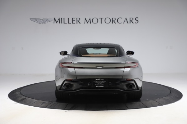 Used 2017 Aston Martin DB11 V12 Coupe for sale $134,900 at Pagani of Greenwich in Greenwich CT 06830 5