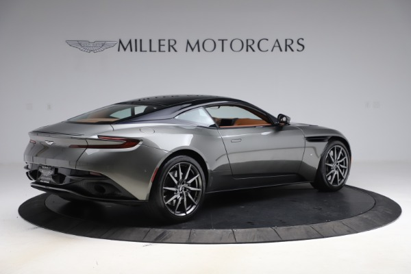 Used 2017 Aston Martin DB11 V12 Coupe for sale $134,900 at Pagani of Greenwich in Greenwich CT 06830 7