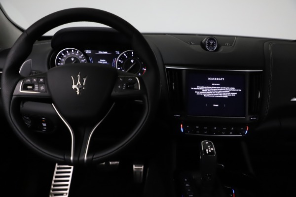 New 2021 Maserati Levante Q4 GranSport for sale $93,585 at Pagani of Greenwich in Greenwich CT 06830 16