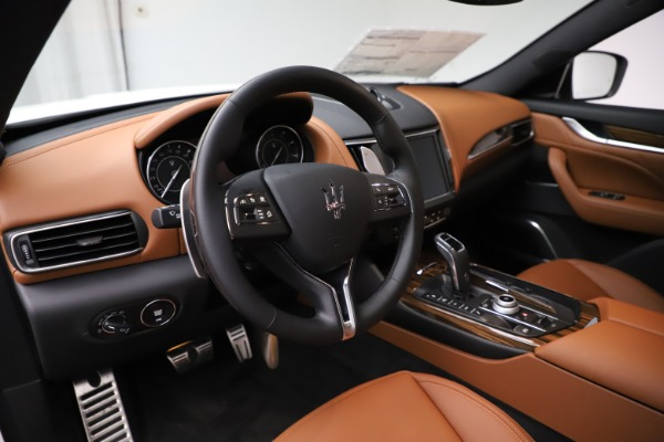 New 2021 Maserati Levante Q4 GranLusso for sale $89,535 at Pagani of Greenwich in Greenwich CT 06830 16