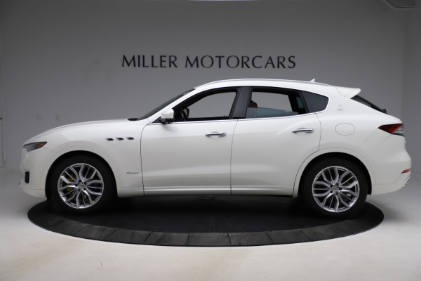 New 2021 Maserati Levante Q4 GranLusso for sale $89,535 at Pagani of Greenwich in Greenwich CT 06830 3