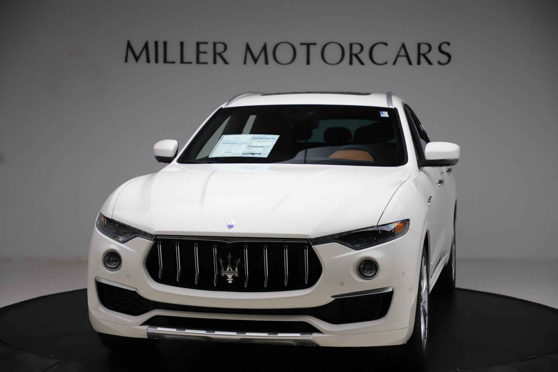 New 2021 Maserati Levante Q4 GranLusso for sale $89,535 at Pagani of Greenwich in Greenwich CT 06830 1