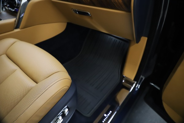 Used 2019 Rolls-Royce Cullinan for sale Sold at Pagani of Greenwich in Greenwich CT 06830 28