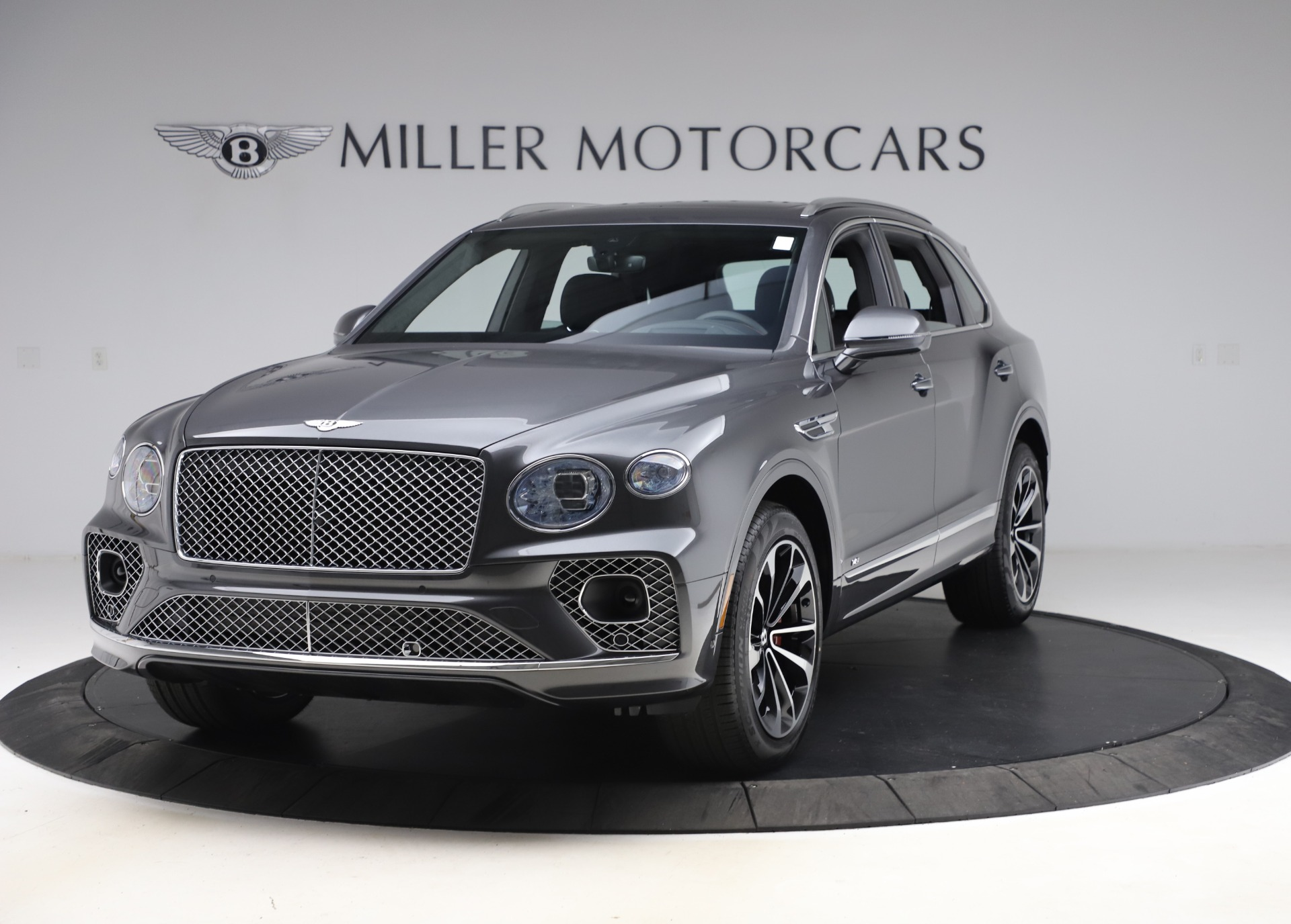 New 2021 Bentley Bentayga V8 for sale $213,720 at Pagani of Greenwich in Greenwich CT 06830 1