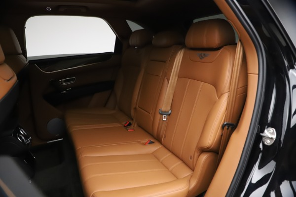 Used 2018 Bentley Bentayga Onyx Edition for sale $144,900 at Pagani of Greenwich in Greenwich CT 06830 18