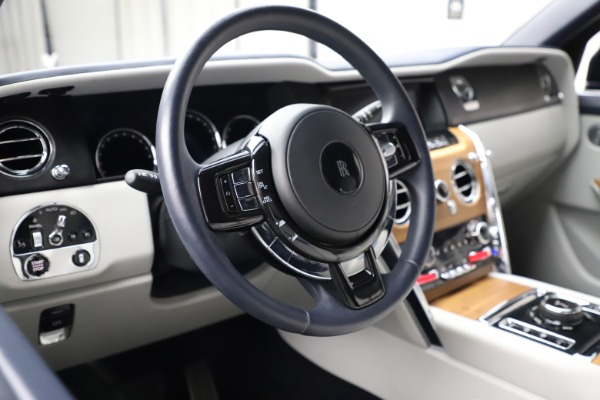 Used 2019 Rolls-Royce Cullinan for sale $349,900 at Pagani of Greenwich in Greenwich CT 06830 13