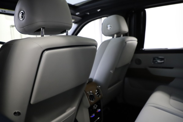 Used 2019 Rolls-Royce Cullinan for sale $349,900 at Pagani of Greenwich in Greenwich CT 06830 19