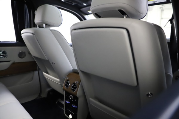 Used 2019 Rolls-Royce Cullinan for sale $349,900 at Pagani of Greenwich in Greenwich CT 06830 20