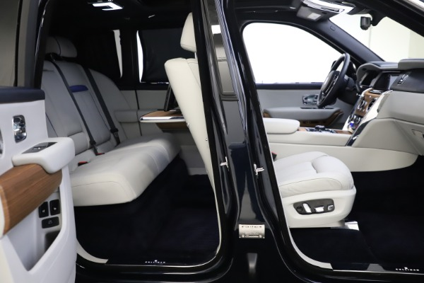 Used 2019 Rolls-Royce Cullinan for sale $349,900 at Pagani of Greenwich in Greenwich CT 06830 23