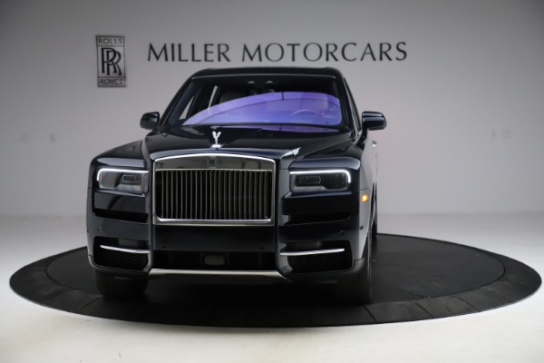Used 2019 Rolls-Royce Cullinan for sale $349,900 at Pagani of Greenwich in Greenwich CT 06830 3